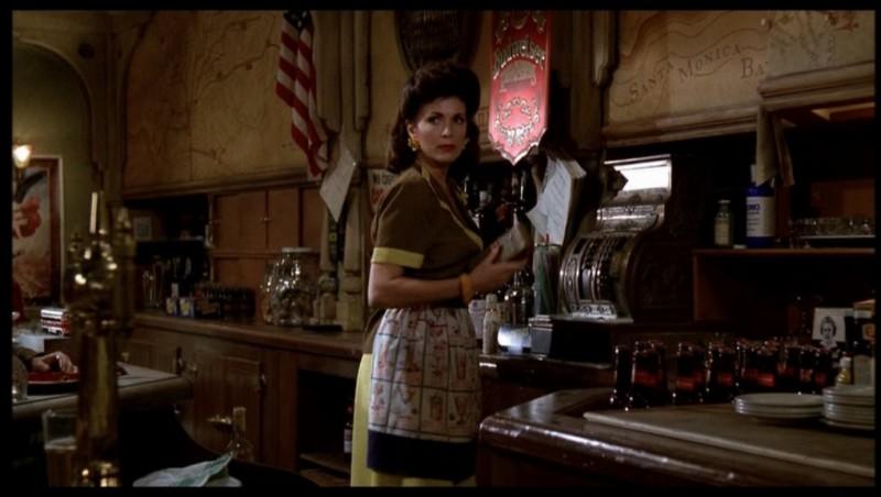 Chi Ha Incastrato Roger Rabbit Joanna Cassidy Interpreta Dolores Nel Film 219977