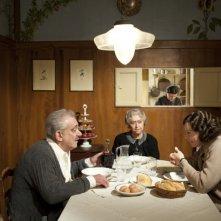 Il cuore grande delle ragazze, Gianni Cavina, Gisella Sofio e Manuela Morabito in una scena del film