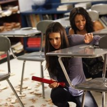 The Vampire Diaries: Nina Dobrev e Kat Graham nell'episodio The Reckoning