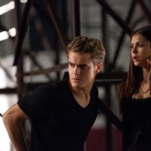 The Vampire Diaries: Nina Dobrev e Paul Wesley in una scena dell'episodio Smells Like Teen Spirit