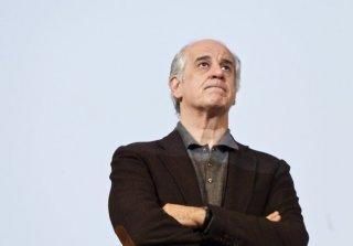Un primo piano di Toni Servillo, ospite a Firenze per l'anteprima italiana del suo Un balcon sur la mer