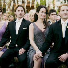 The Twilight Saga: Breaking Dawn - Parte 1, Peter Facinelli, Ashley Greene, Elizabeth Reaser e Jackson Rathbone assistono alle nozze in una scena del film