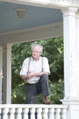 The Walking Dead: Scott Wilson nell'episodio Sangue del mio sangue