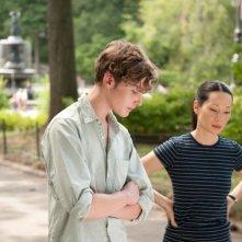 Un giorno questo dololre ti sarà utile: Toby Regbo e Lucy Liu parlano in una scena del film