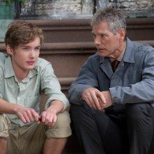 Un giorno questo dolore ti sarà utile: Toby Regbo e Stephen Lang in una scena del film