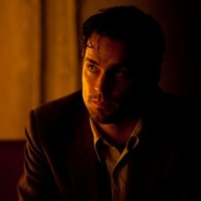 In Time: Matt Bomer in una sequenza del film