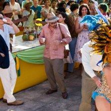 The Rum Diary: Johnny Depp con Michael Rispoli in una scena