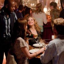 Il mio angolo di paradiso: Kate Hudson insieme a Romany Malco a cena in una scena del film