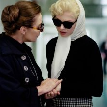 Michelle Williams in My Week With Marilyn con Zoe Wanamaker nel ruolo di Paula Strasberg
