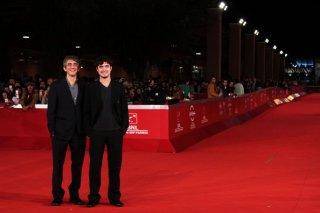 Riccardo Scamarcio e Sergio Rubini sfilano sul red carpet di Roma 2011