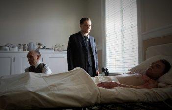 Boardwalk Empire: Michael Shannon in una scena dell'episodio The Age of Reason