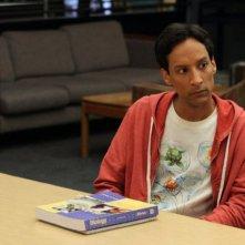 Community: Danny Pudi nell'episodio Advanced Gay