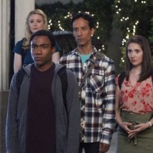 Community: Gillian Jacobs, Donald Glover, Danny Pudi ed Alison Brie nell'episodio Competitive Ecology