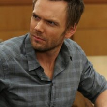 Community: Joel McHale nell'episodio Advanced Gay
