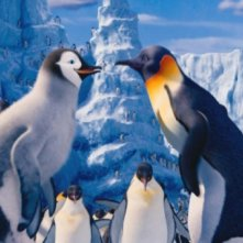 Happy Feet 2 in 3D: mamma Gloria e papà Mambo si guardano amorevolmente in una scena del film