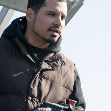 Michael Peña nei panni di Rick Malloy in una scena di Tower Heist: Colpo ad alto livello