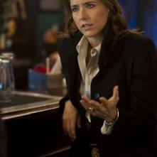 Téa Leoni nei panni dell'agente speciale Claire Denham in una scena di Tower Heist: Colpo ad alto livello