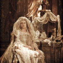 Helena Bonham Carter nel ruolo della fantasmatica Miss Havisham in Great Expectations