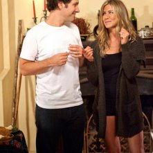 Paul Rudd e Jennifer Aniston in una simoatica immagine dell'avventuroso Wanderlust