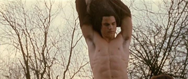 Taylor Lautner In New Moon Mentre Si Toglie La T Shirt Per Soccorrere Bella 221419