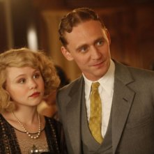 Alison Pill e Tom Hiddleston in una scena di Midnight in Paris