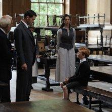 Dominic West e Rebecca Hall in una scena del film 1921 - Il mistero di Rookford