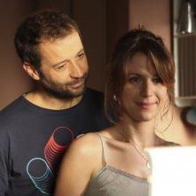 Fabio Volo insieme a Isabella Ragonese in una scena del film Il giorno in più