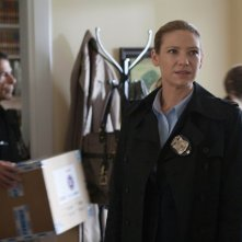 Fringe: Anna Torv in una scena dell'episodio And Those We Left Behind