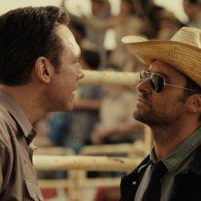 Hugh Jackman in una scena del film Real Steel insieme a Kevin Durand