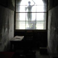 La suggestiva immagine di una statua tratta da 1921 - Il mistero di Rookford