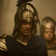 Luke Evans in uniforme da guerra in una scena del film epico Immortals 3D