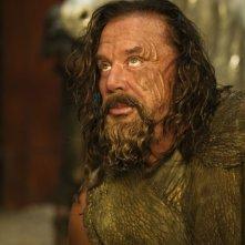 Mickey Rourke è Re Iperione in una scena del film Immortals 3D