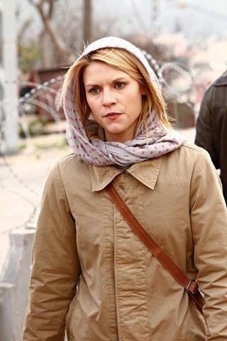 Claire Danes in un intenso primo piano nell'episodio Pilot di Homeland