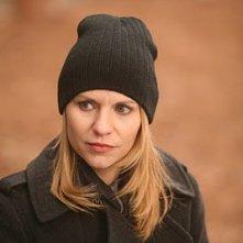 Claire Danes in una scena dell'episodio Pilot di Homeland