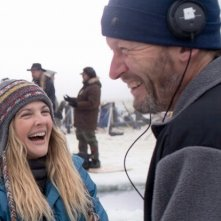 Drew Barrymore insieme al regista Ken Kwapis sul set di Qualcosa di straordinario