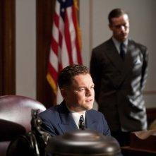J.Edgar: Leonardo DiCaprio e Armie Hammer (alle sue spalle) in una scena del film