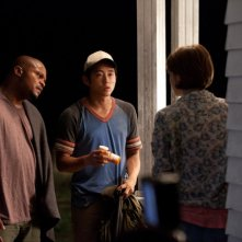 The Walking Dead: IronE Singleton, Steven Yeun e Lauren Cohan nell'episodio Sopravvivere