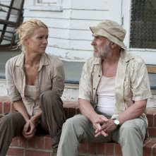 The Walking Dead: Laurie Holden e Jeffrey DeMunn in una scena dell'episodio Chupacabra