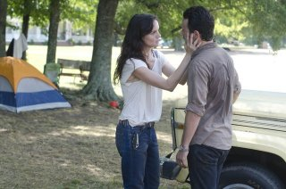 The Walking Dead: Sarah Wayne Callies ed Andrew Lincoln nell'episodio Chupacabra