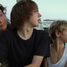 A little closer: Sayra Player, Eric Baskerville e Parker Lutz in una scena del film