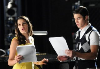 Glee: Lea Michele e Darren Criss in una scena dell'episodio The First Time