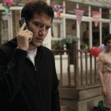 Clive Owen in un'immagine tratta dal thriller paranormale Intruders