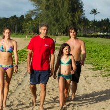 George Clooney, Shailene Woodley, Nick Krause e Amara Miller in una scena di The Descendants