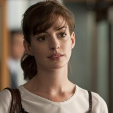 La bellissima Anne Hathaway in una scena del romantico One Day