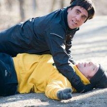 Paul Giamatti insieme a Bobby Cannavale in una scena di Mosse Vincenti