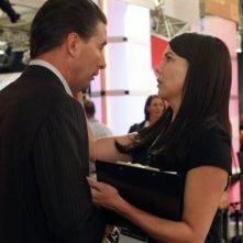 Parenthood: William Baldwin e Lauren Graham nell'episodio The Booth Job