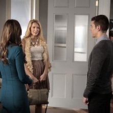 Gossip Girl: Blake Lively, Brian J. Smith ed Elizabeth Hurley nell'episodio The Big Sleep No More