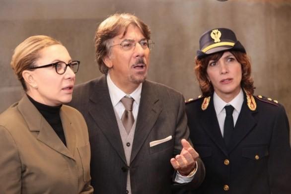Marco Columbro Iaia Forte E Maria Amelia Monti In Una Scena Della Fiction Di Canale 5 Baciati Dall A 222364