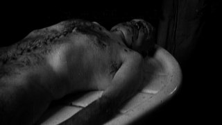 Una scena tratta dal documentario Il corpo del duce