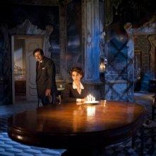 Donatella Finocchiaro con Enzo Decaro in una scena di Questi fantasmi, di Massimo Ranieri